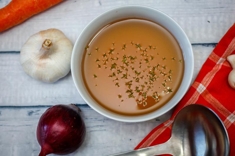 mesa-habla-castanas-receta-cebolla-ajo