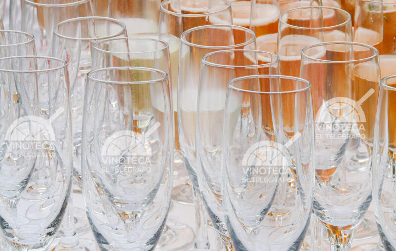 vinoteca-telegrafo-madrid-mesa-habla