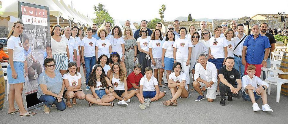 mesa-habla-bodegues-macia-batle-voluntarios-concierto-solidario