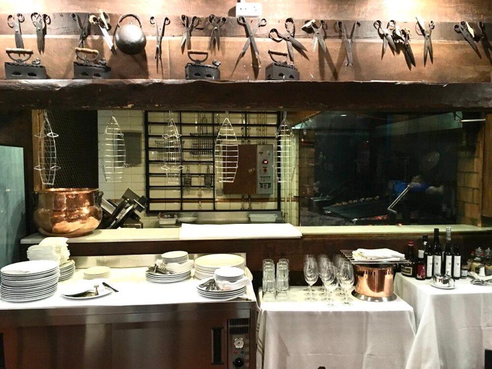 mesa-habla-restaurante-leñera-parrillamesa-habla-restaurante-leñera-parrilla