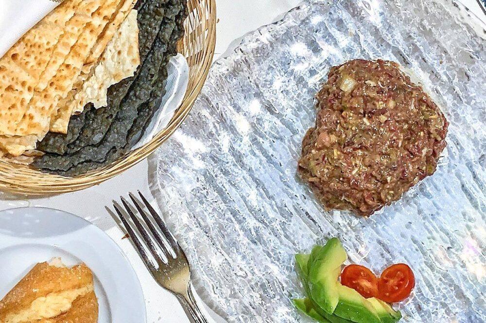 mesa-habla-restaurante-lenera-steak-tartar