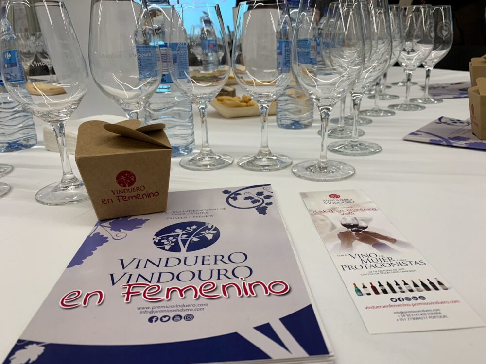 mesa-habla-premios-vinduero-vindouro-cata-en-femenino