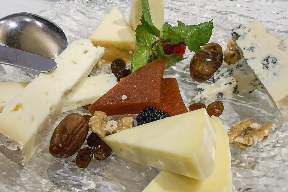 restaurante-la-lenera-mesa-habla-quesos