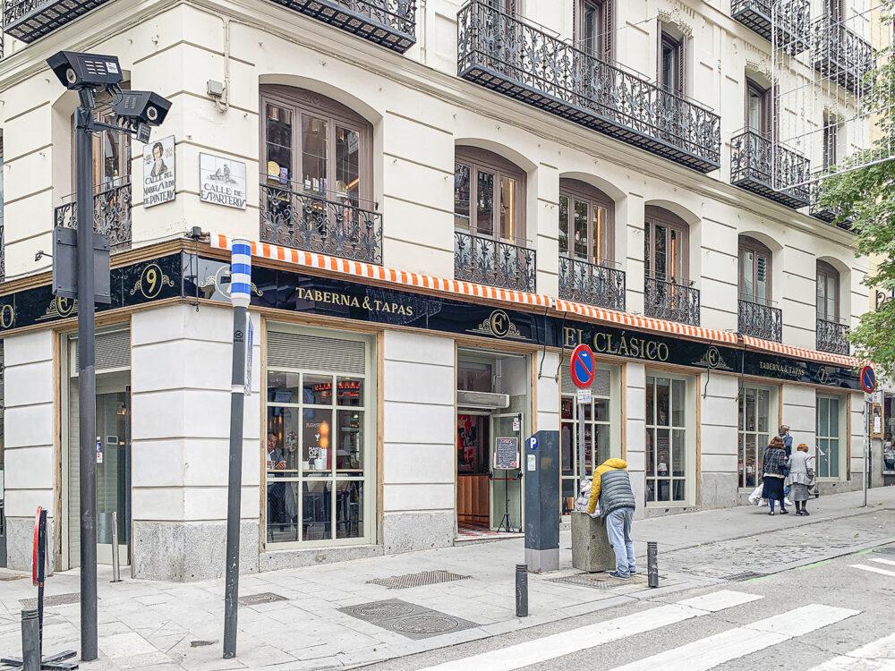 el-clasico-madrid-mesa-habla-fachada