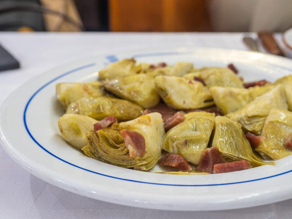 restaurante-segoviano-madrid-mesa-habla-alcachofas