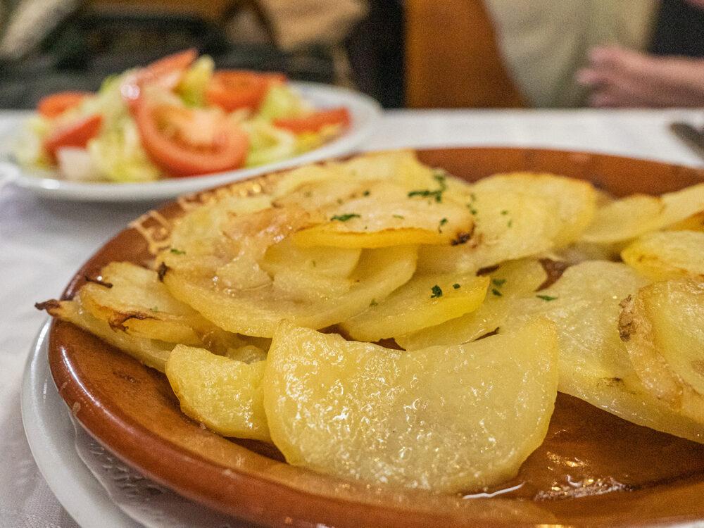 restaurante-segoviano-madrid-mesa-habla-patata-panadera