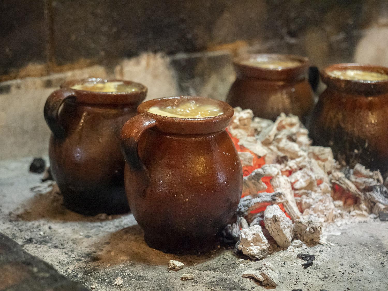 mesa-habla-cocido-madrileno-restaurante-canada