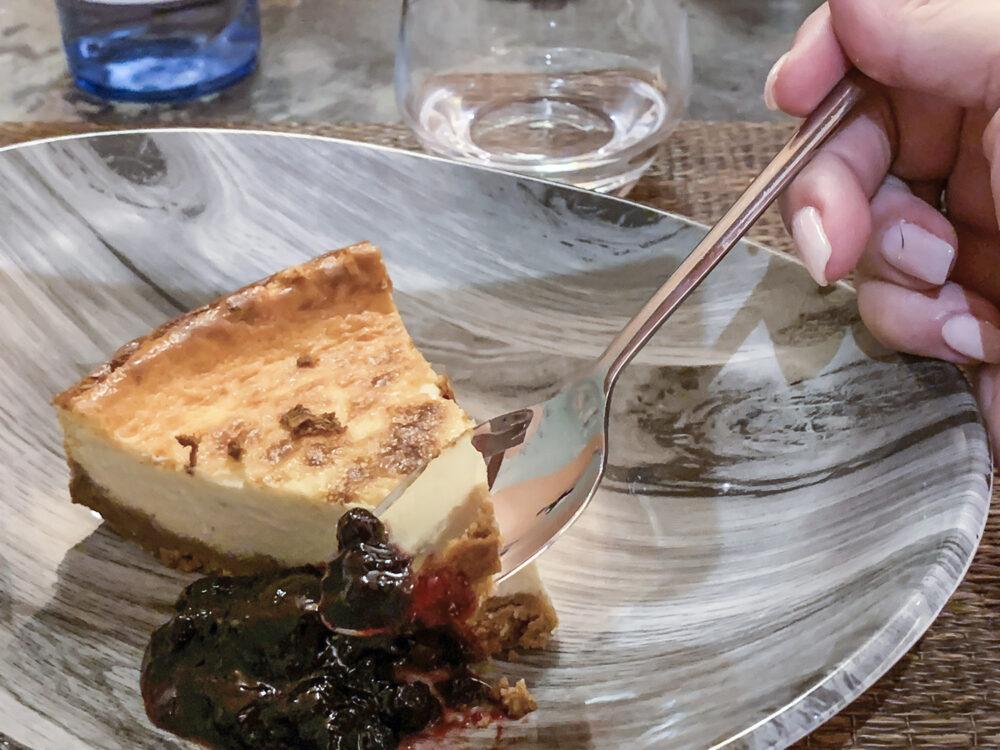 mesa-habla-restaurante-alma-javier-navarro-tarta-queso