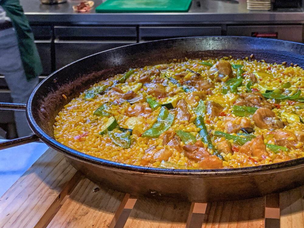 mesa-habla-arroz-verduras-clasico-madrid
