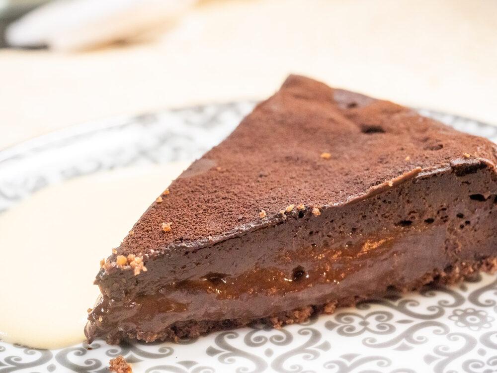 tres-por-cuatro-mesa-habla-tarta-chocolate