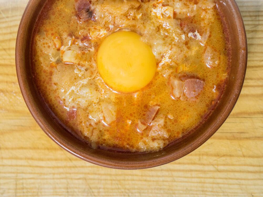 gastronomia-castilla-leon-mesa-habla-sopa-castellana