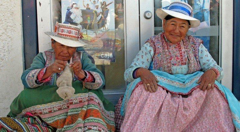 peru-mesa-habla-destino-turistico