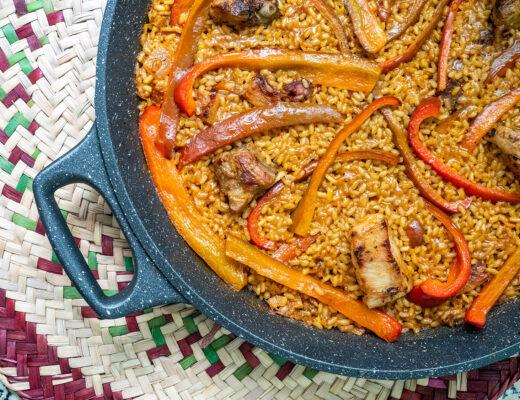 receta-paella-costillas-mesa-habla