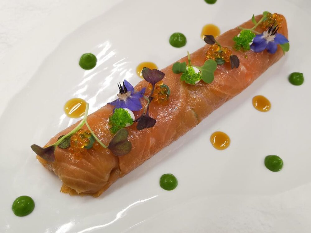 mesa-habla-canelon-salmon-nectari
