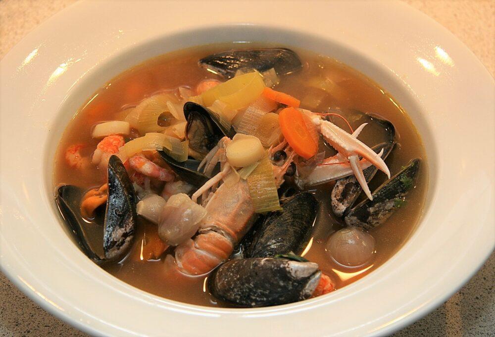 mesa-habla-bouillabaisse-sopa-pescado