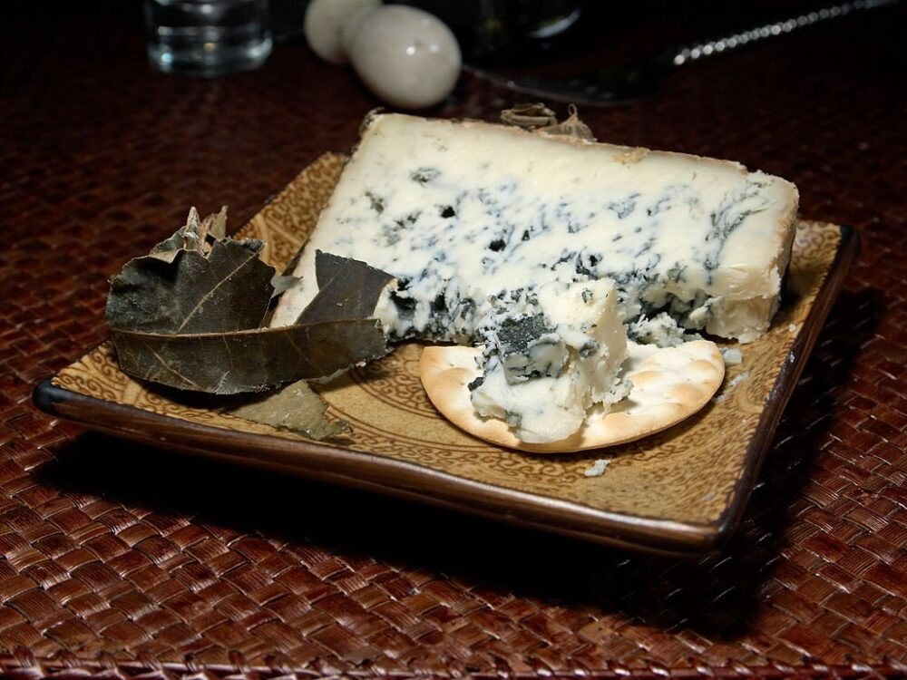 mesa-habla-queso-asturias-cabrales