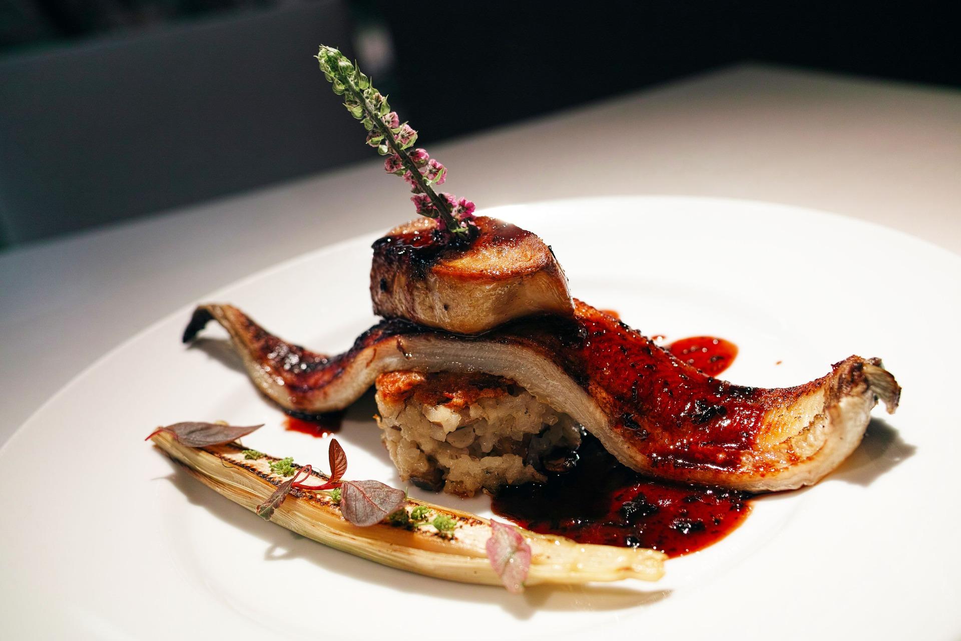 mesa-habla-foie-gras-plancha-anguila