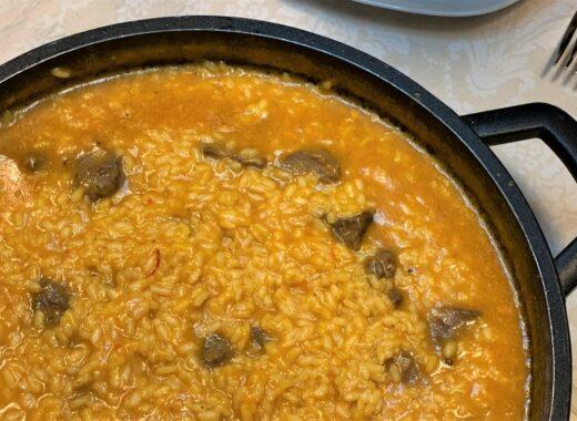 mesa-habla-arroz-meloso-carrilleras-cerdo-portada