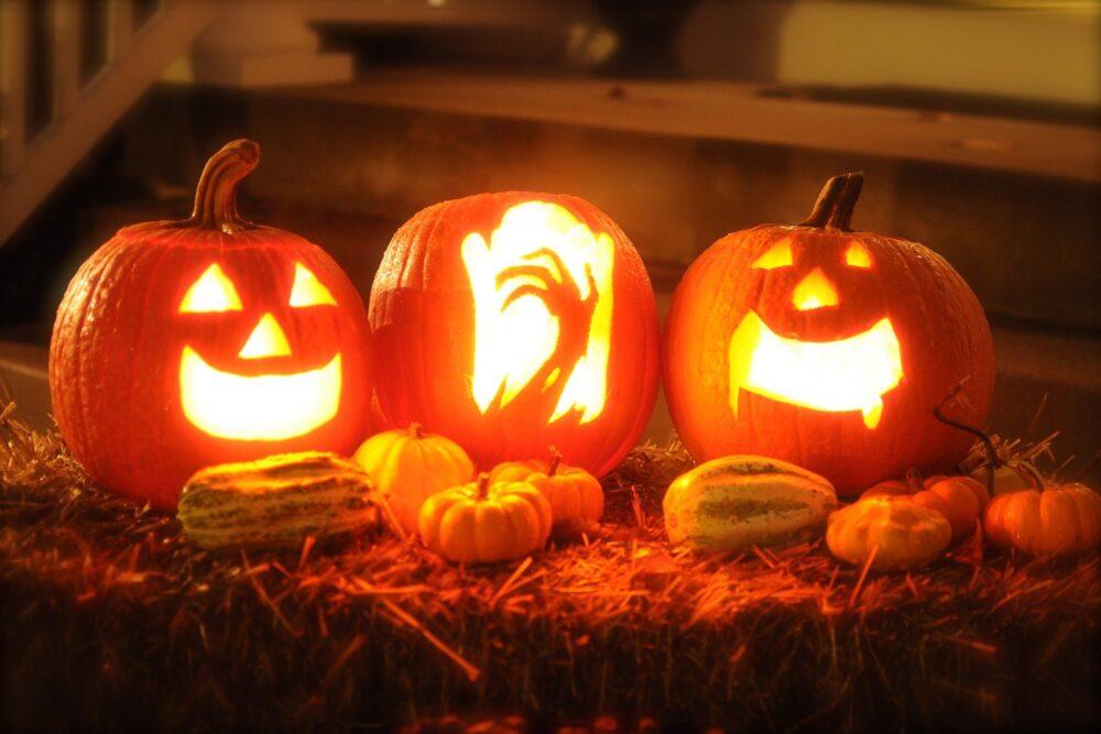 mesa-habla-dulces-todos-santos-calabazas-halloween