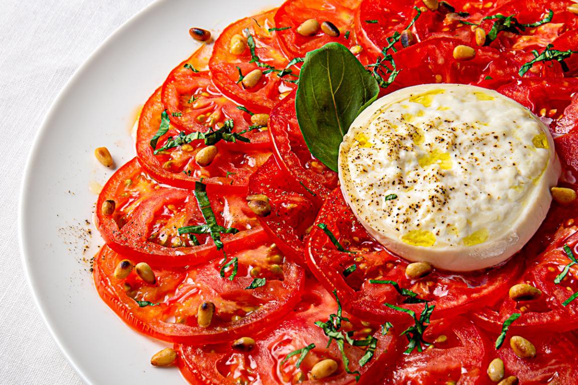 mesa-habla-maison-melie-ensalada-tomate-burrata