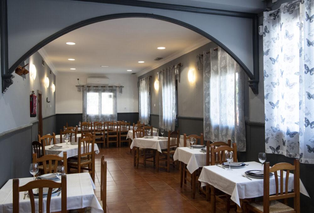 mesa-habla-pancipelao-comedor