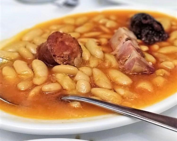 mesa-habla-legumbres-fabada-restaurante-neru