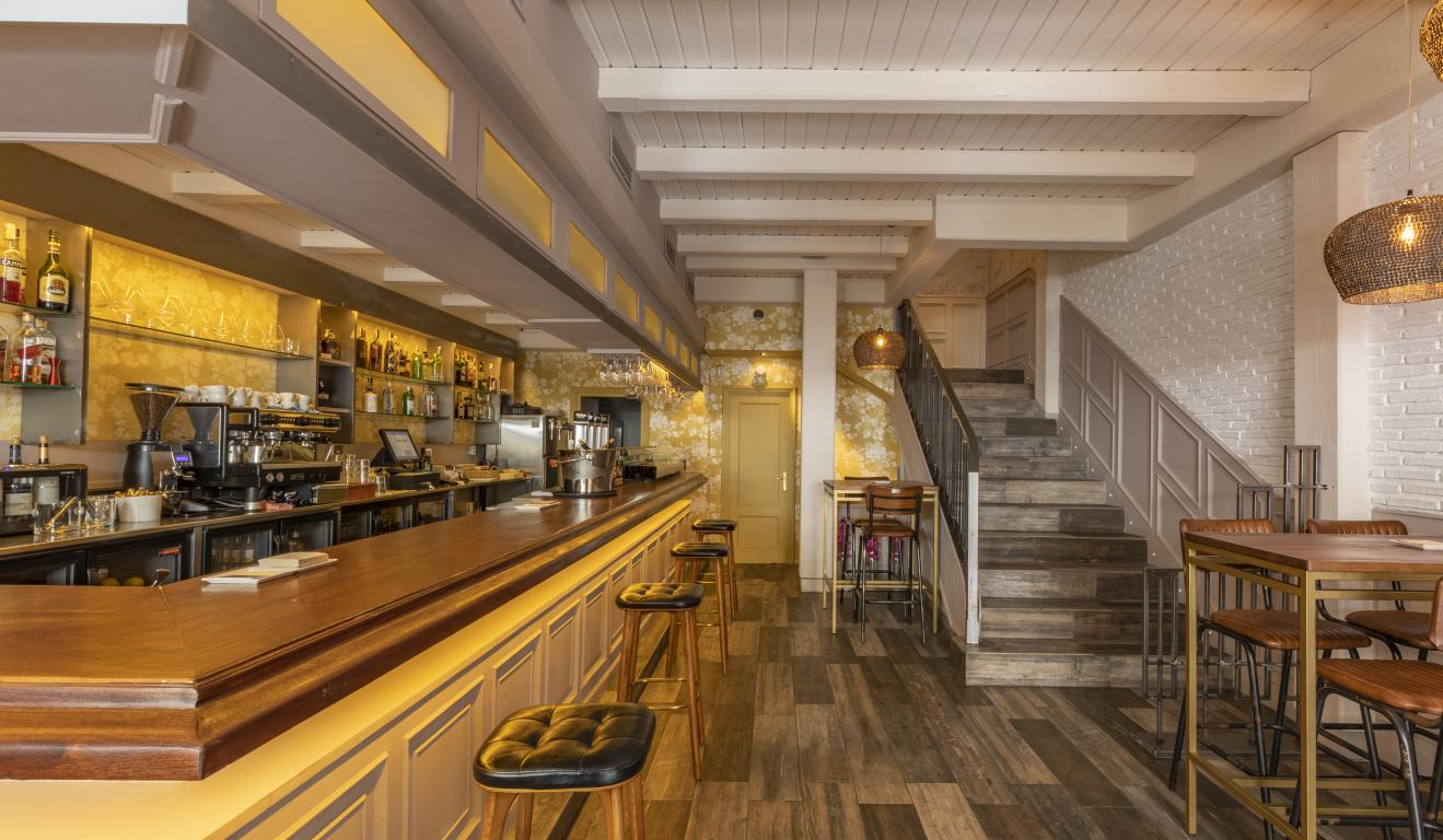 mesa-habla-restaurante-zaga-barra-planta-baja