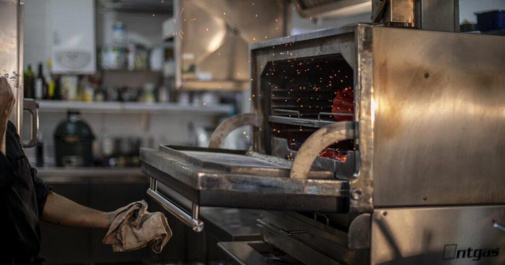mesa-habla-restaurante-zaga-cocina