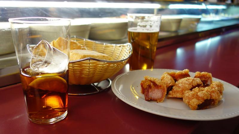 mesa-habla-torreznos-aperitivo
